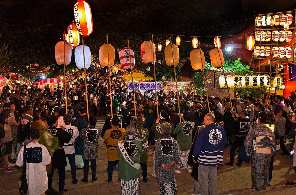 Mikoshi approaches at Hanazono Shrine matsuri in Shinjuku, Tokyo, Japan